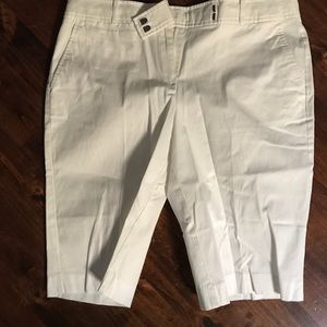 Talbots classic twill shorts in white size 12